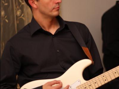 Zespół TROLL - profesjonalna oprawa muzyczna wesela Image 3