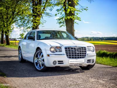 3 x Chrysler 300c (biały i ecru) Slask, Malopolska, Opolskie Image 2