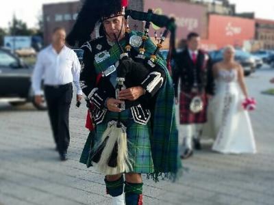 Szkocki dudziarz. Szkockie wesele w kratkę. Image 2