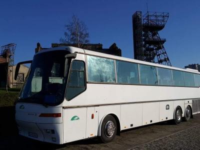 Autokar klasy LUX 57 miejsc