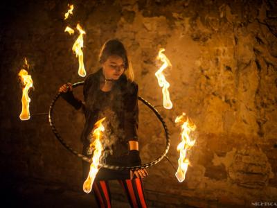 Teatr tancerzy ognia Arta Foc - fireshow - taniec z ogniem Image 5