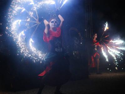 Teatr tancerzy ognia Arta Foc - fireshow - taniec z ogniem Image 7