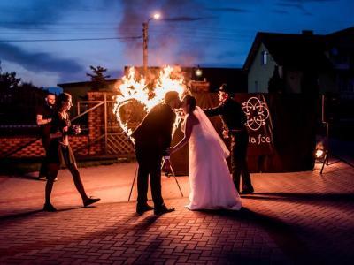 Teatr tancerzy ognia Arta Foc - fireshow - taniec z ogniem Image 9